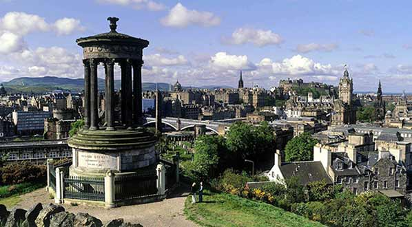 Photo View over the city from Calton Hill, Edinburgh